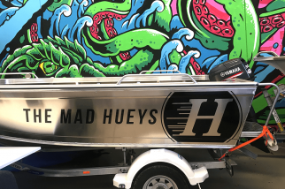 mad-hueys-boat---vehicle-wrap---stick-it-signs---the-wrap-booth---gold-coast