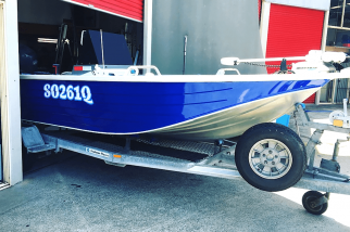 boat-wrap-the-abit-tackle-store-banners-stickers-wrap-business-gold-coast-currumbin-window-film-stick-it-signs